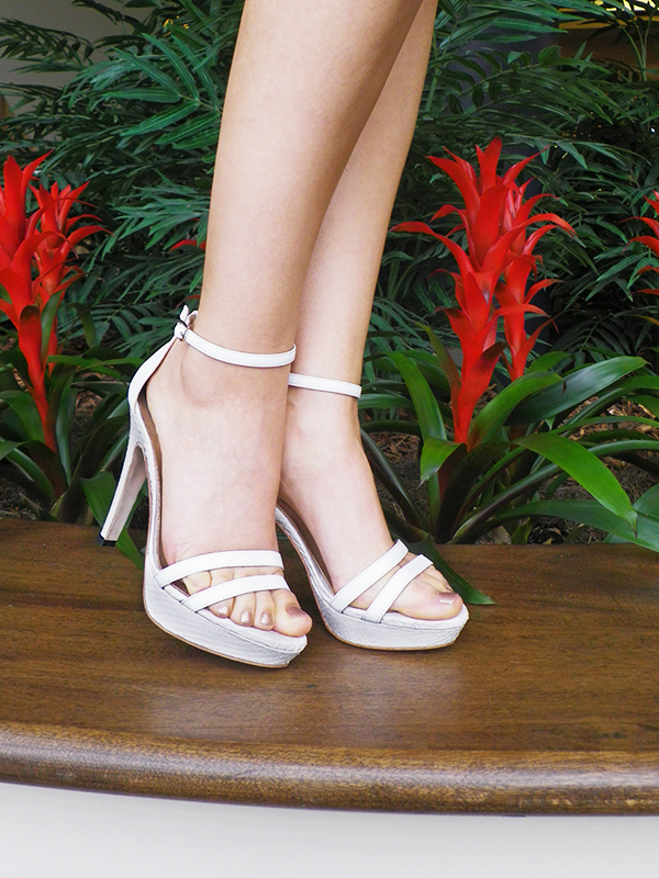 Upper-Street-Shoes-White-Sandals_small