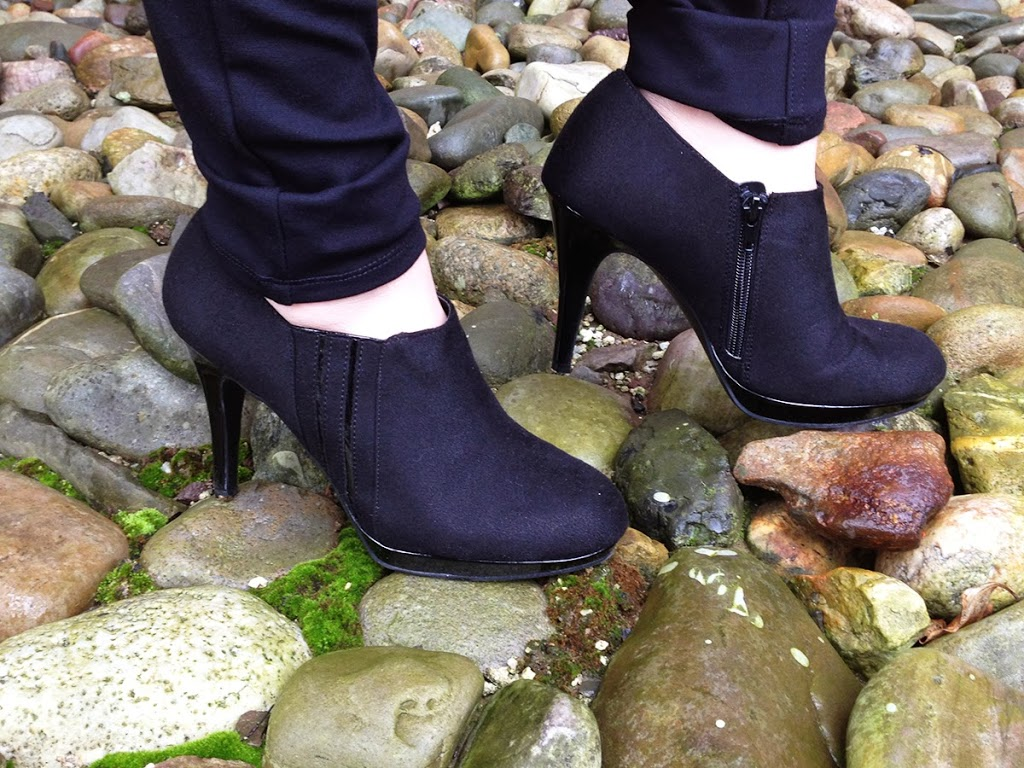 Basic-Black-Fabric-amp-Patent-Ankle-Booties